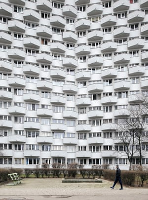 The Torwar estate, designed by Jan Zdanowicz, is composed of three X-shaped high-rise blocks built between 1971 and 73 in Solec, Warsaw