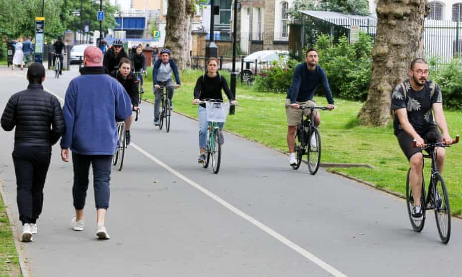 Cyclists in London Fields in Hackney.