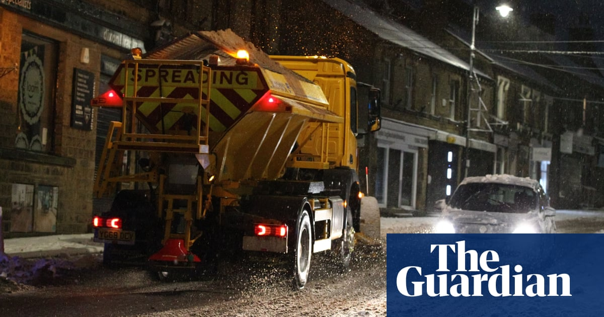 Councils fear gritter driver shortage this winter