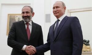 Vladimir Putin with Armenian prime minister Nikol Pashinyan.
