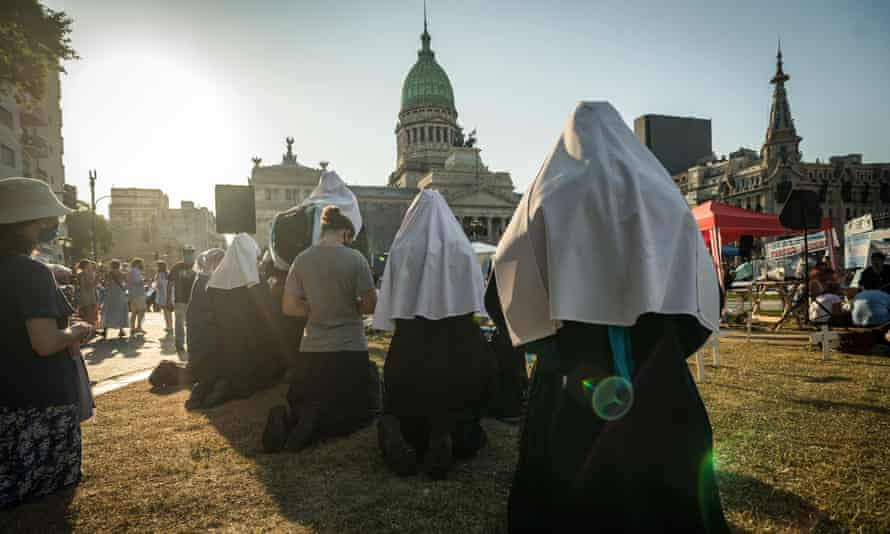Anti-abortion rights and other religious groups in Buenos Aires on Tuesday.
