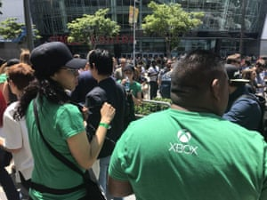 People queueing outside the Microsoft Theatre in LA for the E3 2018 Xbox press conference