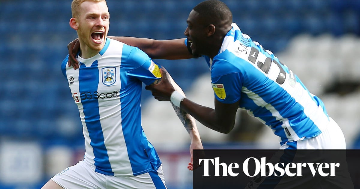 David Raya caught out as Huddersfield draw dents Brentford's promotion push