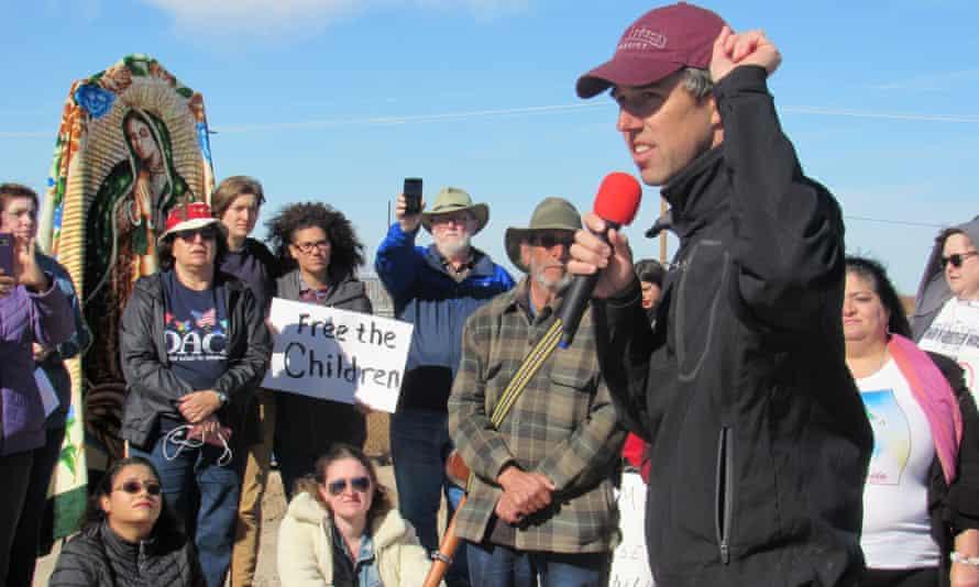 Beto O'Rourke addresses activists at Tornillo.