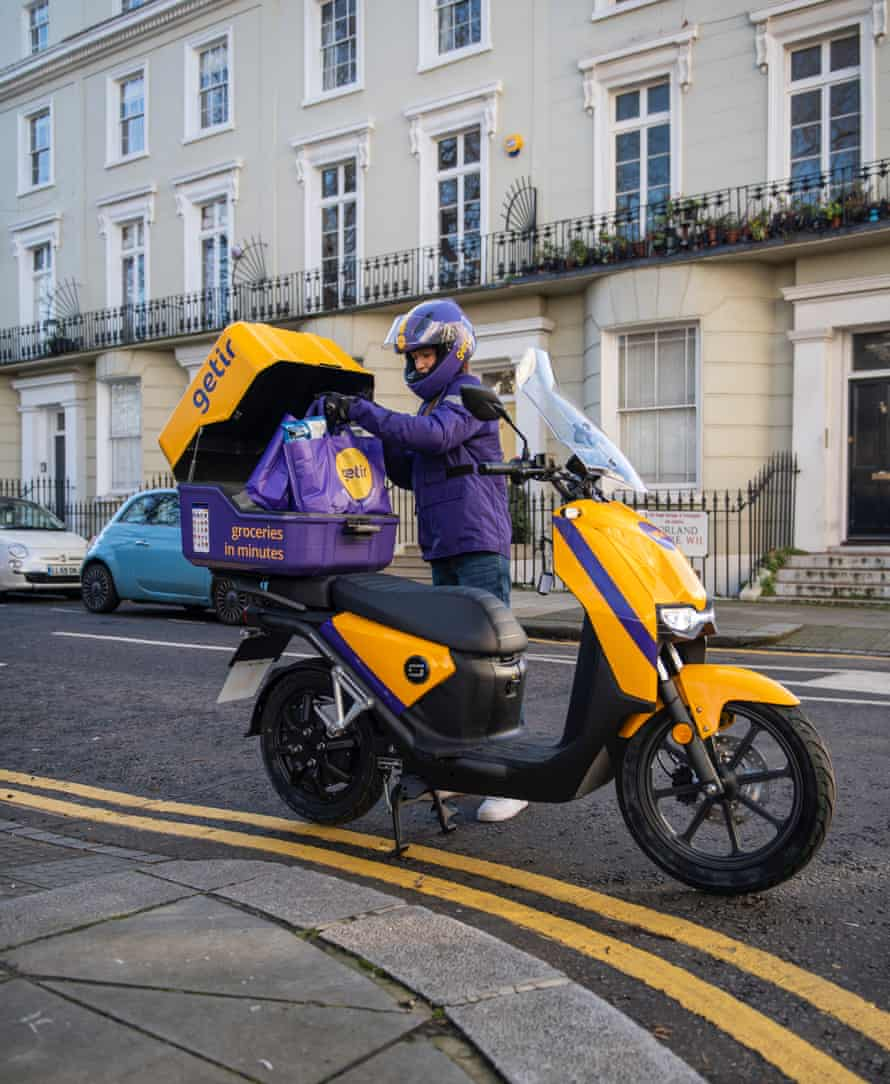 UK fast-track grocery courier Getir.