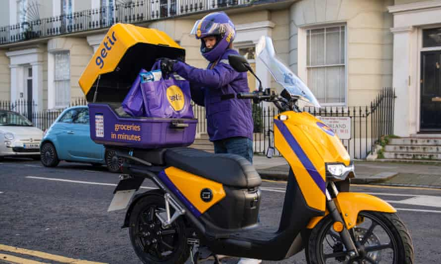 Getir delivery person.