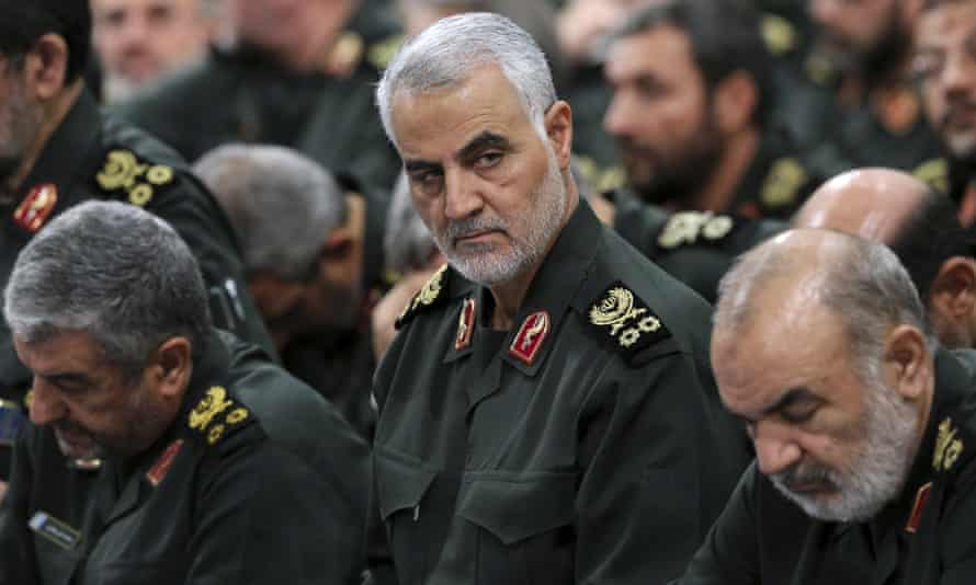 Qassem Suleimani (centre), the leader of Iran's powerful Quds force.