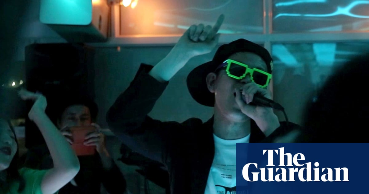 The underground rap battle for Japanese businessmen – video