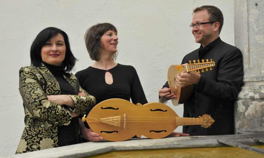 Agnieszka Budzińska-Bennett, Jane Achtman and Marc Lewon – Ensemble Dragma.