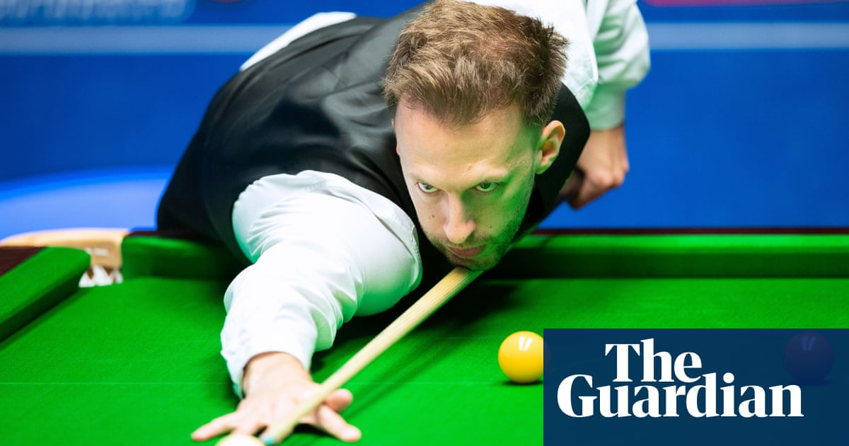 Judd Trump edges through to join Selby and Williams in quarter-finals