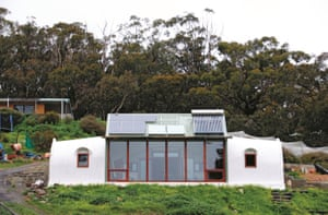 Earthship Ironbank house in Onkaparinga