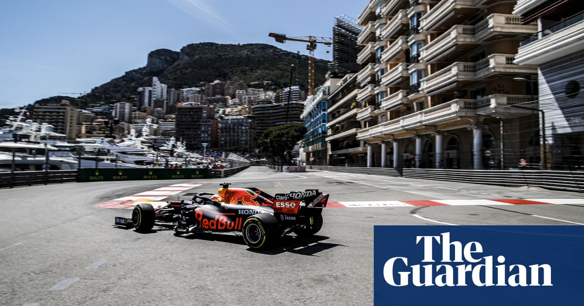 Mercedes' Toto Wolff warns F1 wings row could end up in court