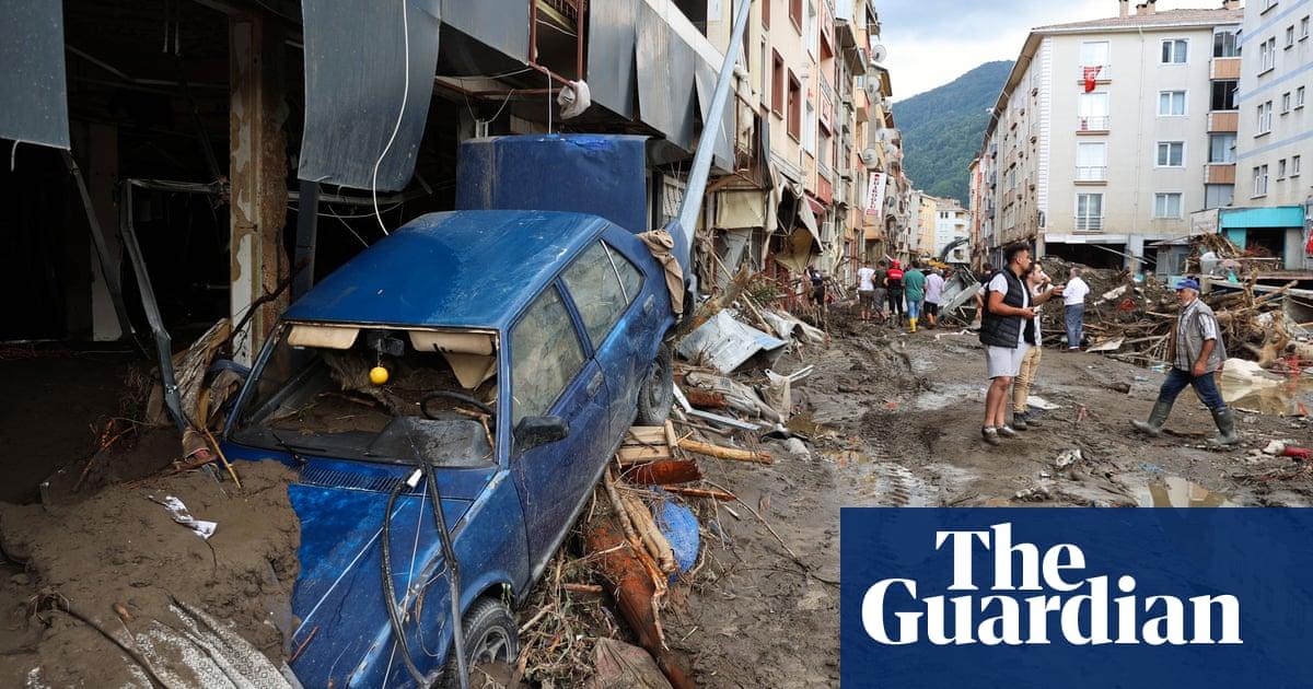 Turkey flooding death toll reaches 38 as Erdoğan tours disaster zone