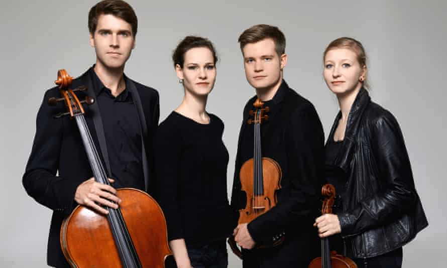 Sense of balance ... Notos Quartett.