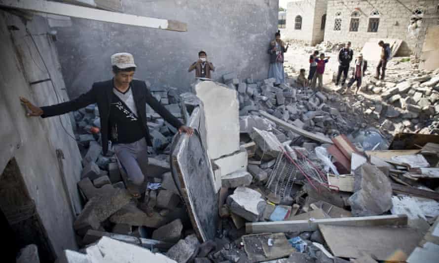 yemen air strike destroys house