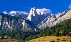 Naranjo de Bulnes peak in the Picos de Europa mountains in Asturias, Spain.