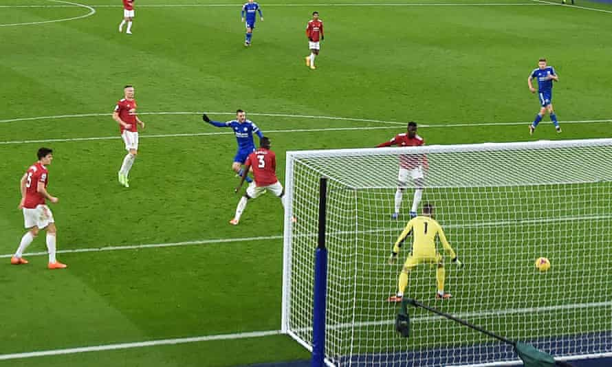 Jamie Vardy's shot deflects in off Axel Tuanzebe