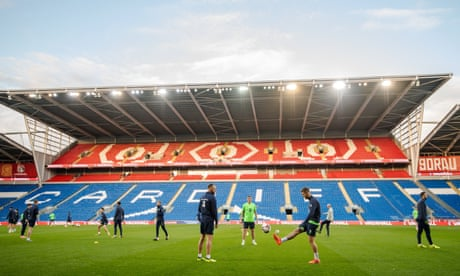 Wales and Ireland prepare for decisive World Cup qualifier – video