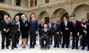 G7 finance ministers and central bankers have discussed Greece and the global economy at a meeting in Dresden.
