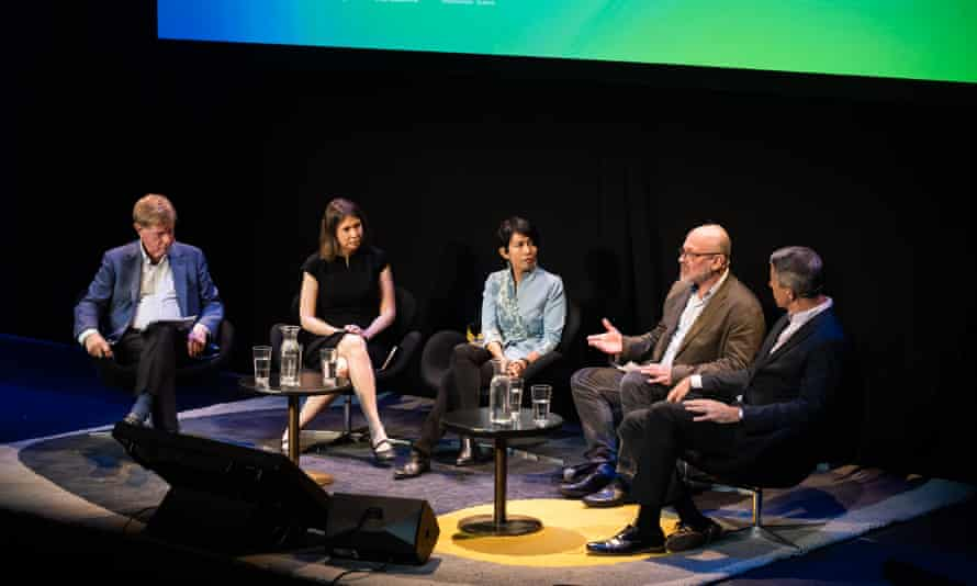 Kerry O'Brien, Anna Rose, Kyle Pope, Tim Flannery, and Desi Anwar at the Covering Climate talk.