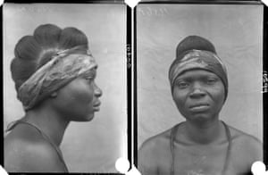 'Mother of Obaraiagbon', photographed by N. W. Thomas in Benin City, Edo State, Nigeria, 1909