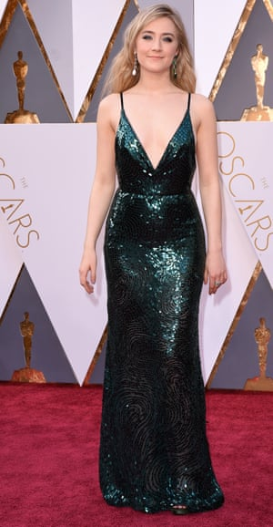 Saoirse Ronan. We still can't pronounce her name, but we're loving Saoirse's emerald green, Calvin Klein Little Mermaid dress. Do we have to start singing Under the Sea now? We'd rather not...