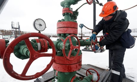 Russia to use anti-tank shells in attempt to put out oilfield fire