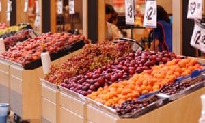 stonefruit in a supermarket