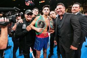 Ryan García with his entourage, including Oscar De La Hoya (second right), after beating Romero Duno in November 2019