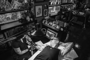 Damien Echols at a tattoo parlor in NYC