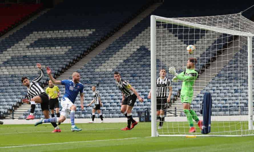 St Johnstone's Chris Kane scores his side's first goal from close range in the Scottish Cup semi-final against St Mirren at Hampden.