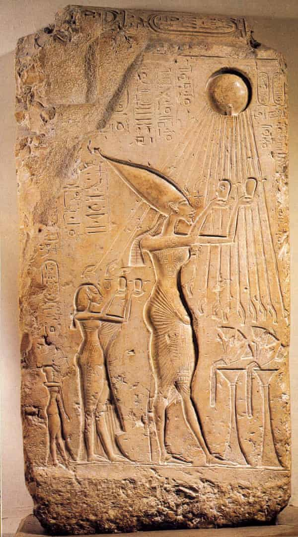 """Zewail used a spectacular image of Akhenaton (the father of monotheism, 14th century BC) to draw attention to """"the first known image that depicts that light travels in a straight line""""."""