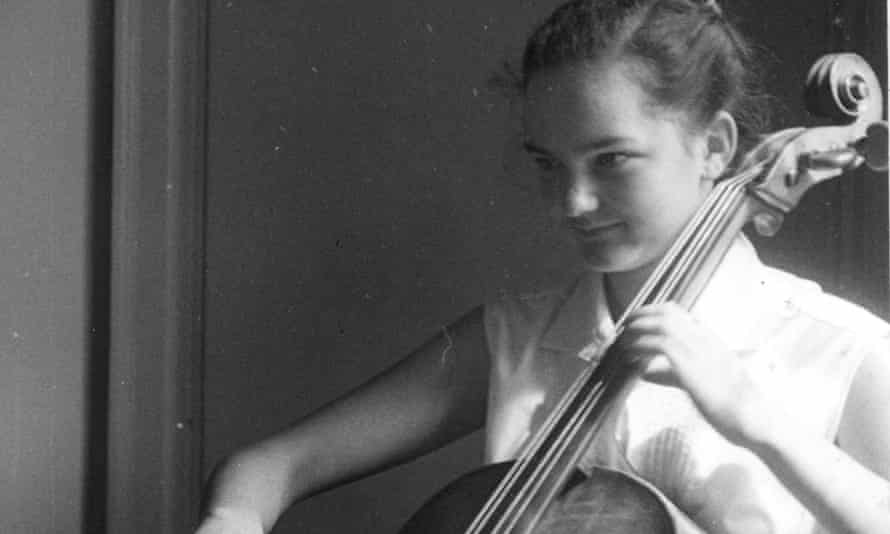 Janet Tinbergen playing the cello as a teenager, in a family photograph thought to have been taken by her father, the biologist Niko Tinbergen