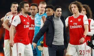 """Premier League - Arsenal v Manchester United<br>Soccer Football - Premier League - Arsenal v Manchester United - Emirates Stadium, London, Britain - January 1, 2020   Arsenal manager Mikel Arteta celebrates with the players after the match                              Action Images via Reuters/John Sibley    EDITORIAL USE ONLY. No use with unauthorized audio, video, data, fixture lists, club/league logos or """"live"""" services. Online in-match use limited to 75 images, no video emulation. No use in betting, games or single club/league/player publications.  Please contact your account representative for further details."""