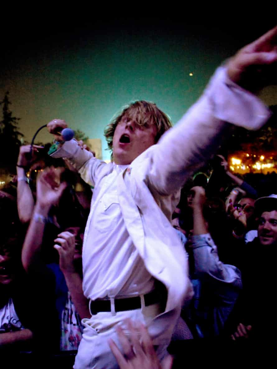 Segall performing with offshoot band the Muggers, August 2016.