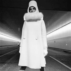 French Elle, 1 September 1966 'Du Nouveau sous le nouveau tunnel' Fashion by Cardin