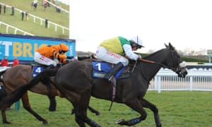 Many Clouds edges ahead of Thistlecrack to win the Cotswold Chase before tragedy struck.