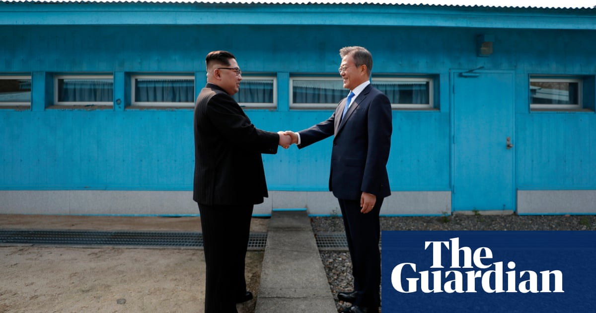 Korean Leaders Bond Over Handshakes And A Lot Of Pictures World