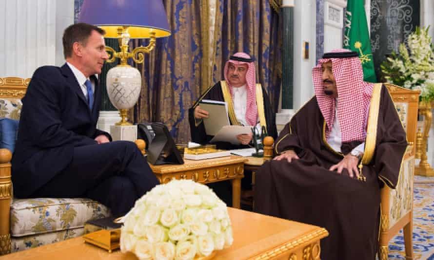 The UK's foreign secretary, Jeremy Hunt, meeting Saudi Arabia's King Salman in November 2018