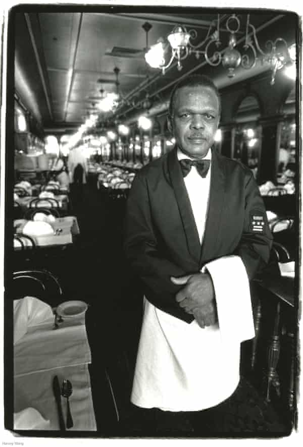 Aston Robinson - Waiter, Gage & Tollner, photographed in Harvey Wang's New York