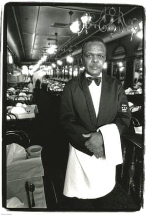 استون رابینسون - پیشخدمت ، گیج و تولنر ، عکس گرفته شده در هاروی وانگ در نیویورک