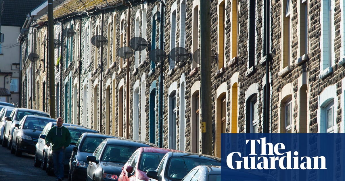 UK house prices hit record high despite cut in stamp duty break