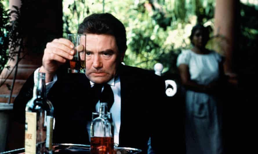 Albert Finney as Geoffrey Firmin in the 1984 film Under the Volcano.