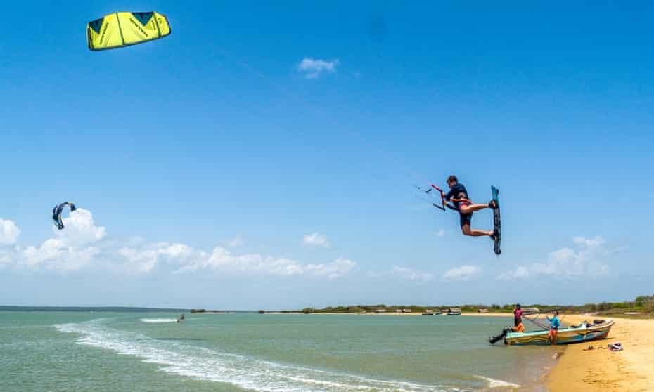 Kitesurfing in Sri Lanka with Kite Holidays