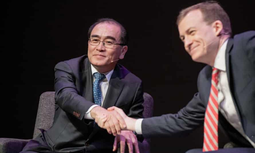 Thae Yong-ho and American scholar Robert Kelley at the Oslo Freedom Forum