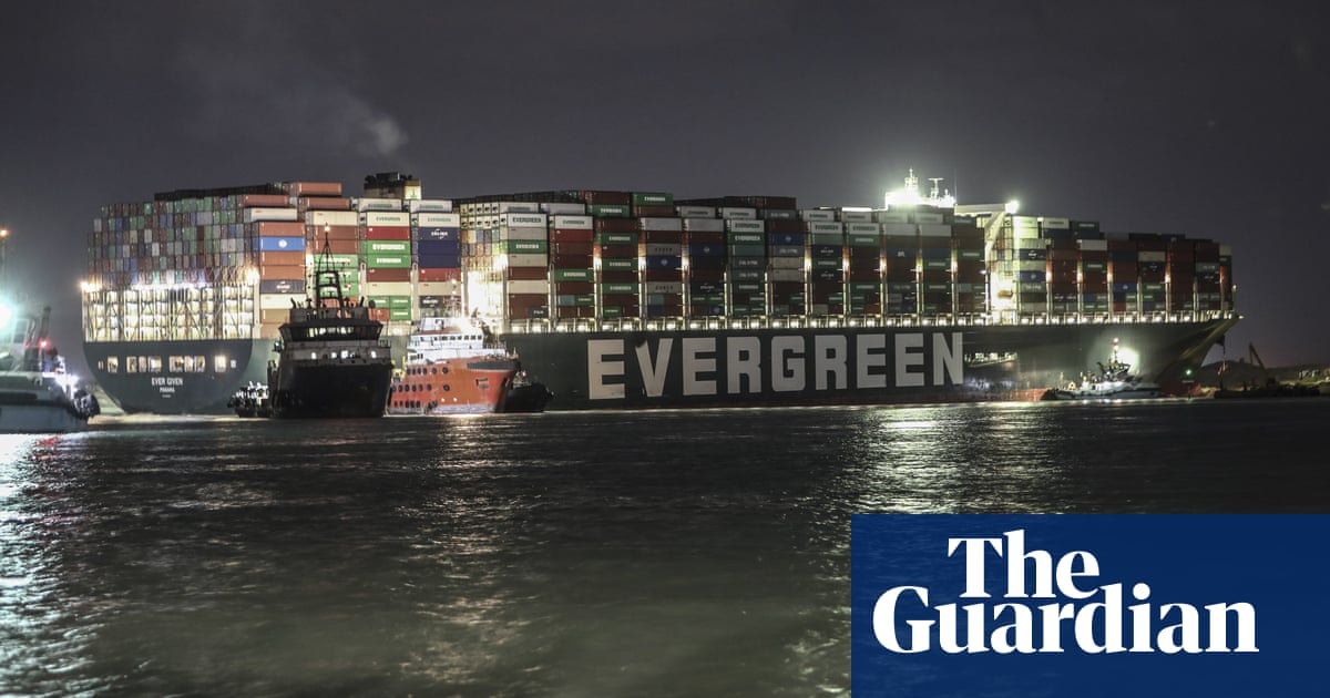Suez canal: Syria 'rations' fuel as efforts to free stuck ship fail