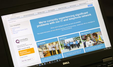 A message informing visitors to an NHS trust website that it is having problems with IT services