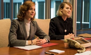 Kerry Bishé as Donna Clark, Mackenzie Davis as Cameron Howe