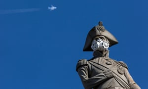 A face mask was placed Nelson's Column on 18 April 2016 in a Greenpeace protest to highlight air pollution.