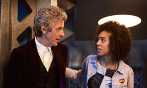Doctor Who (PETER CAPALDI), Bill (PEARL MACKIE).